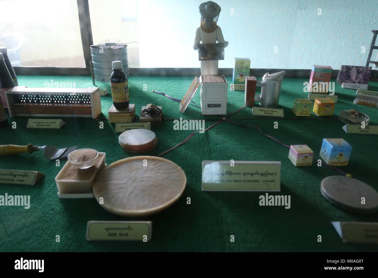 La eliminación de las drogas en el Museo en Yangon está llena de muestra para advertir de los peligros y riesgos de la adicción a las drogas. Foto de stock