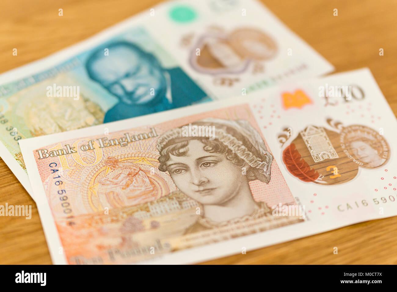 Nuevos polímeros Inglés £10 y £5 billetes con Jane Austen y Winston Churchill Imagen De Stock