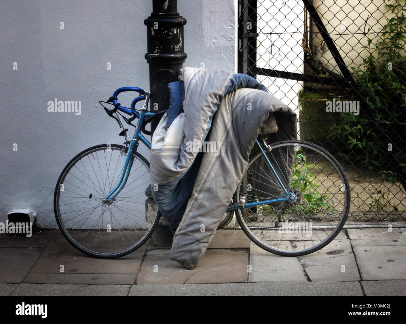 Edredon Bicicleta.Bicicleta Con El Descarte De Edredon En Londres Inglaterra