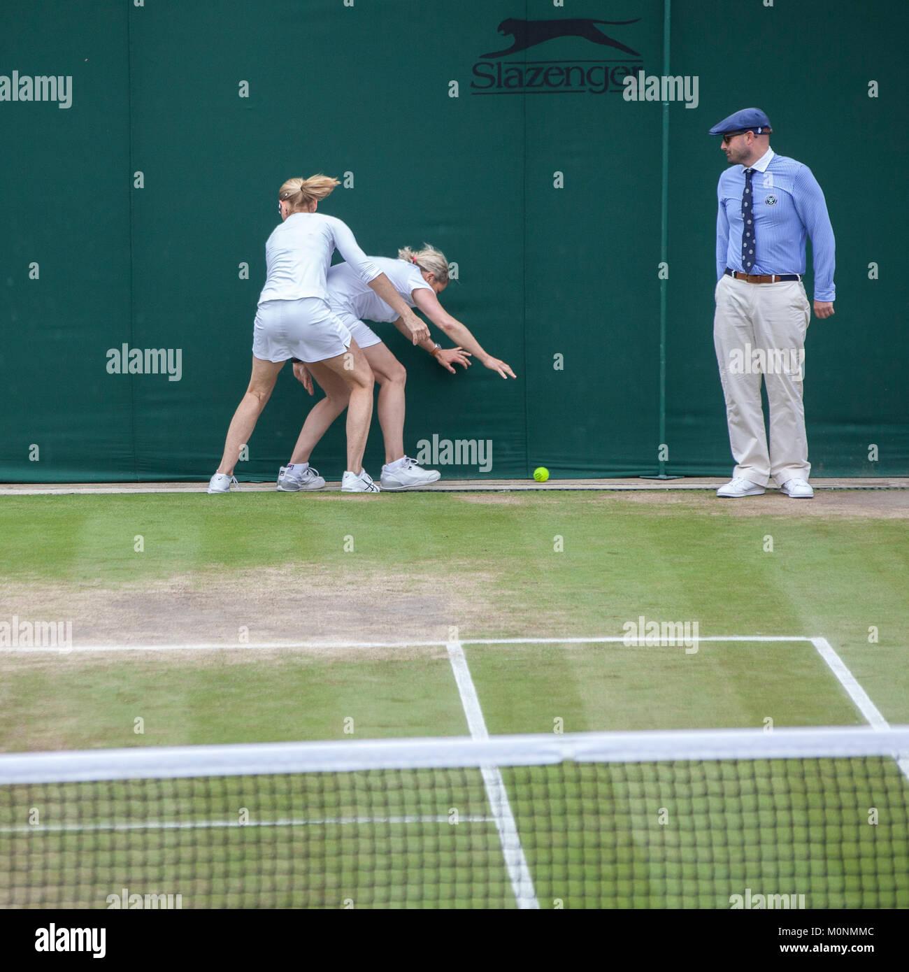 Wimbledon 2017 señoras invitational doble diversión en corte Imagen De Stock