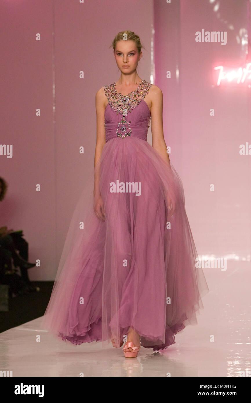 Fantástico Jenny Packham Vestidos De Dama 2014 Ornamento - Colección ...