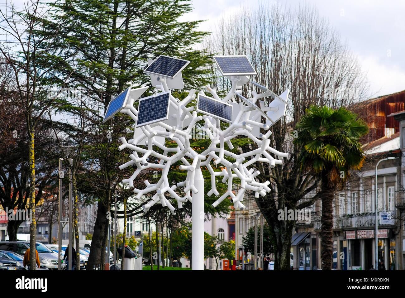Los paneles solares de suministro de energía en forma de