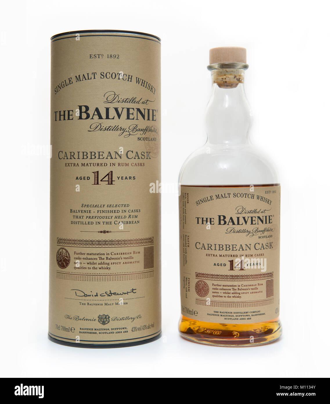 El Balvenie 14 años Caribe Cask single malt scotch whisky botella y el embalaje exterior. Imagen De Stock