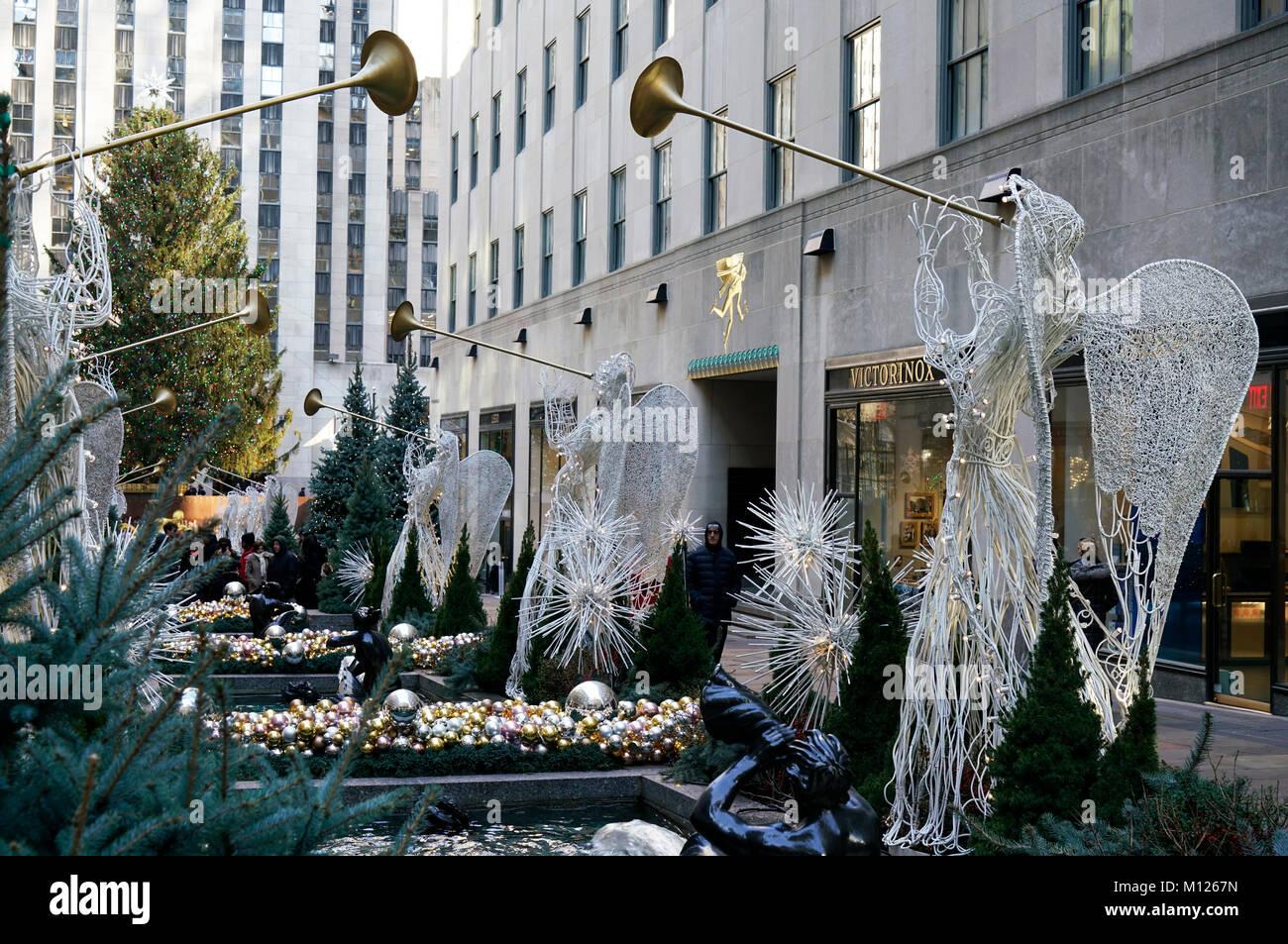 Adornos de fiestas de Navidad en el Rockefeller Center.Manhattan.La Ciudad de Nueva York.EE.UU. Imagen De Stock