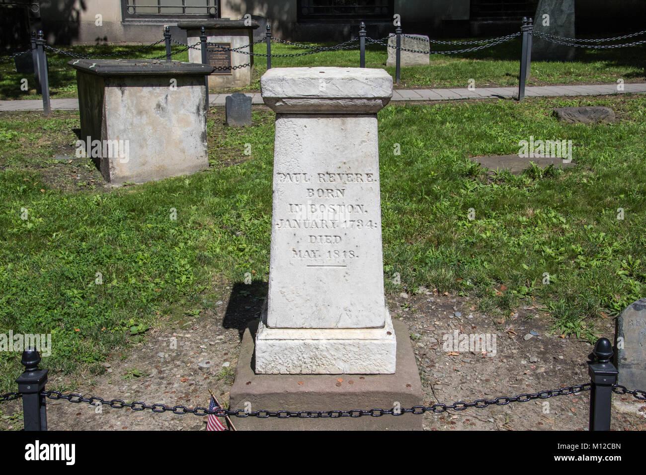 Lápida de Paul Revere, granero enterrando a tierra, Boston, MA, EE.UU. Imagen De Stock