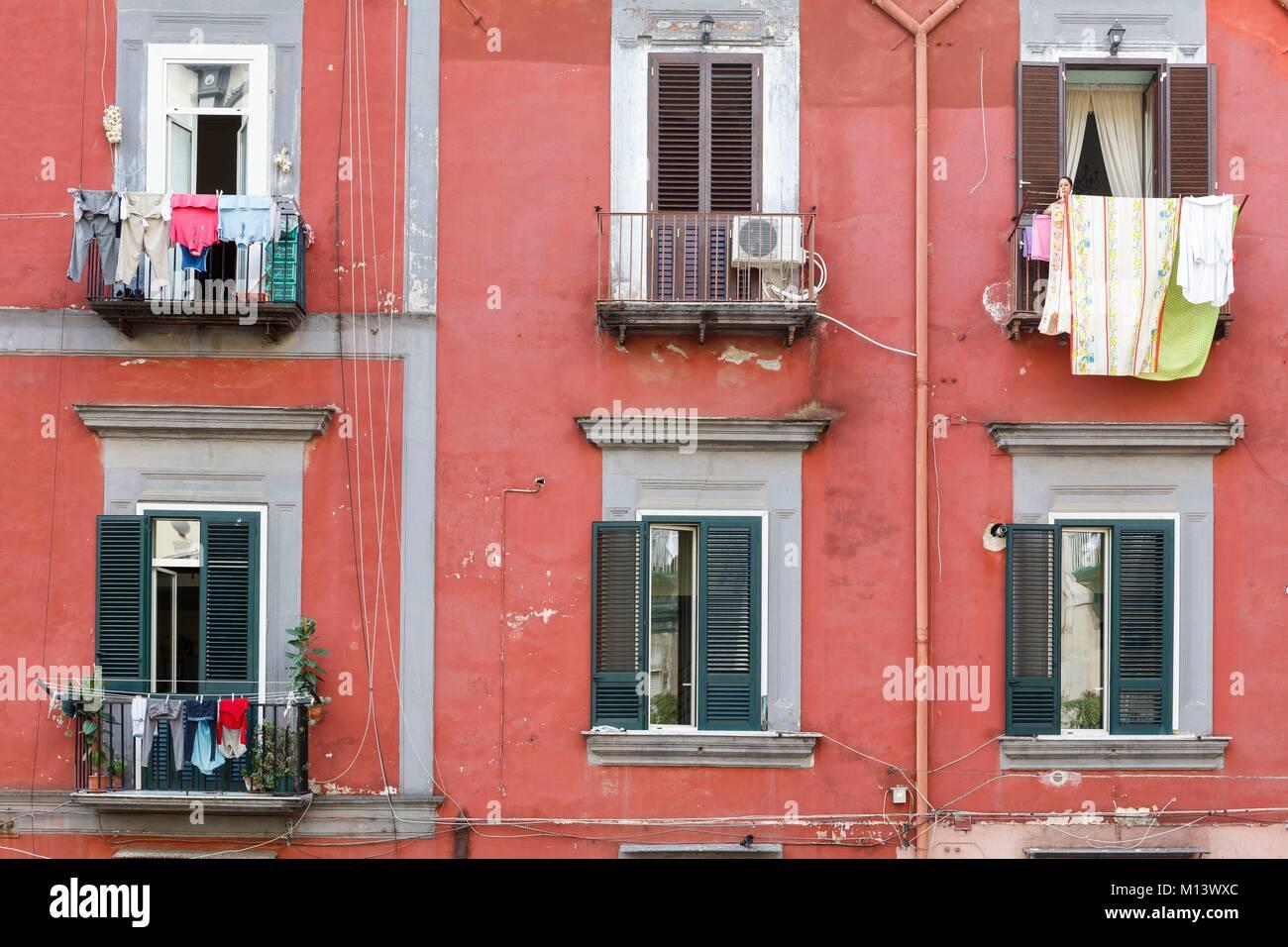 Italia, Campania, Nápoles, centro histórico catalogado como Patrimonio Mundial por la UNESCO, la construcción Imagen De Stock