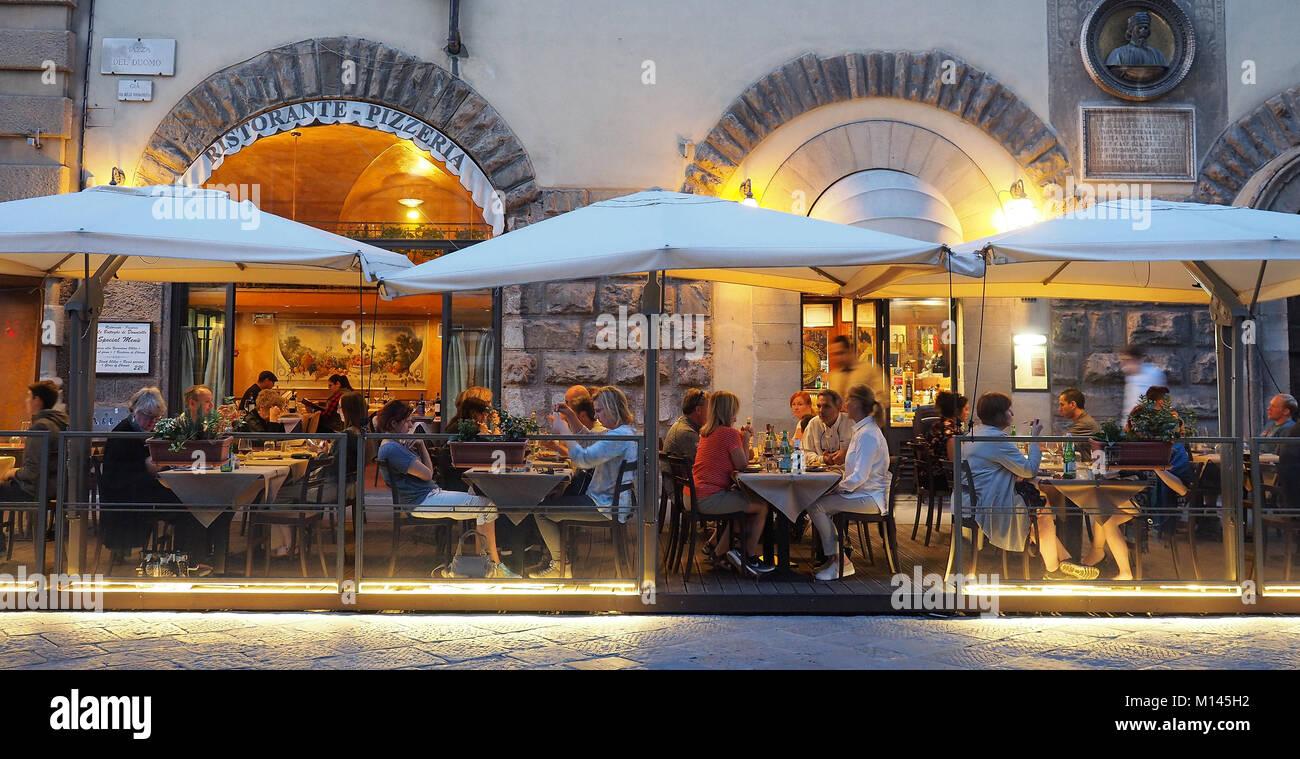 Europa, Italia, Toscana, Florencia,Restaurante,comedor,bar en el antiguo centro de la ciudad Imagen De Stock