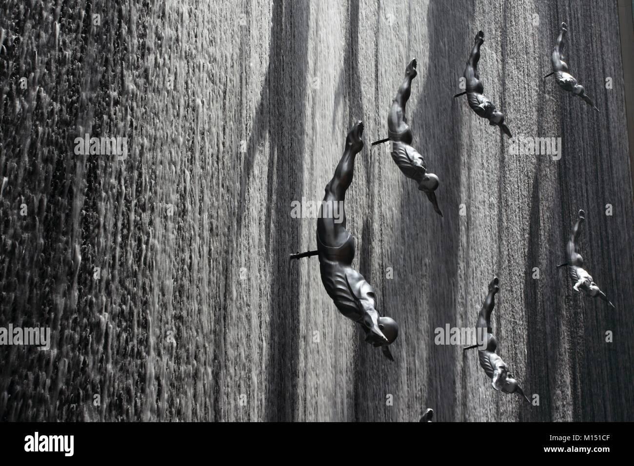 Los Emiratos Árabes Unidos, Dubai, Dubai Mall, la cascada Imagen De Stock