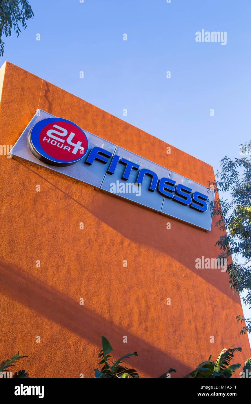 Centro de fitness 24 horas en Irvine, California, EE.UU. Imagen De Stock