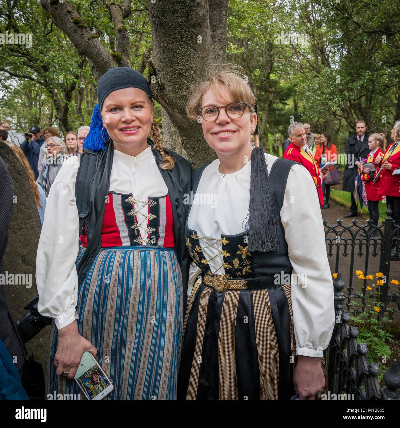 Celebración Costumes-Summer nacionales tradicionales, el día de la independencia, Reykjavik, Iceland Imagen De Stock