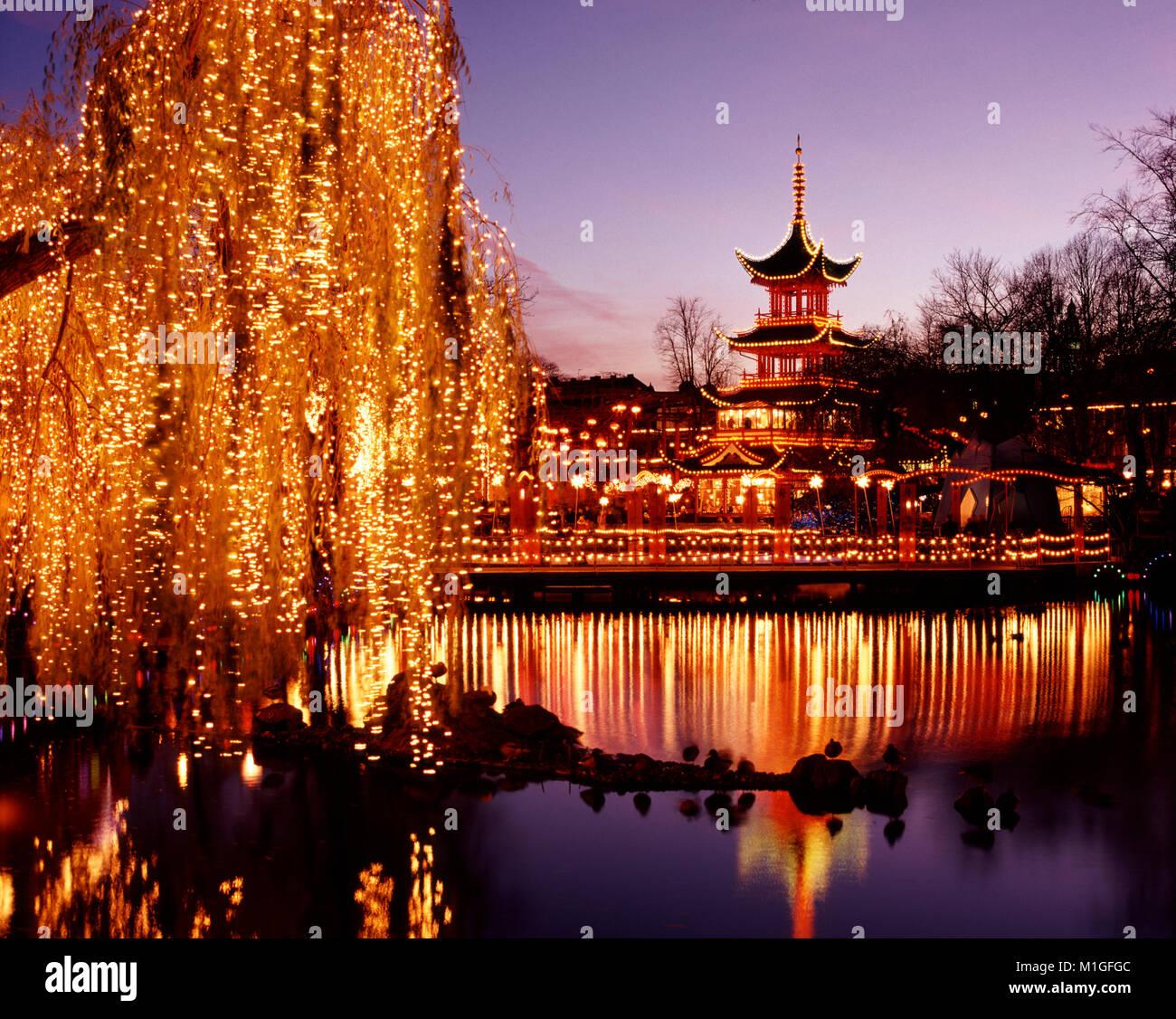 Los Jardines Tivoli Decorado Para La Navidad Copenhague Dinamarca