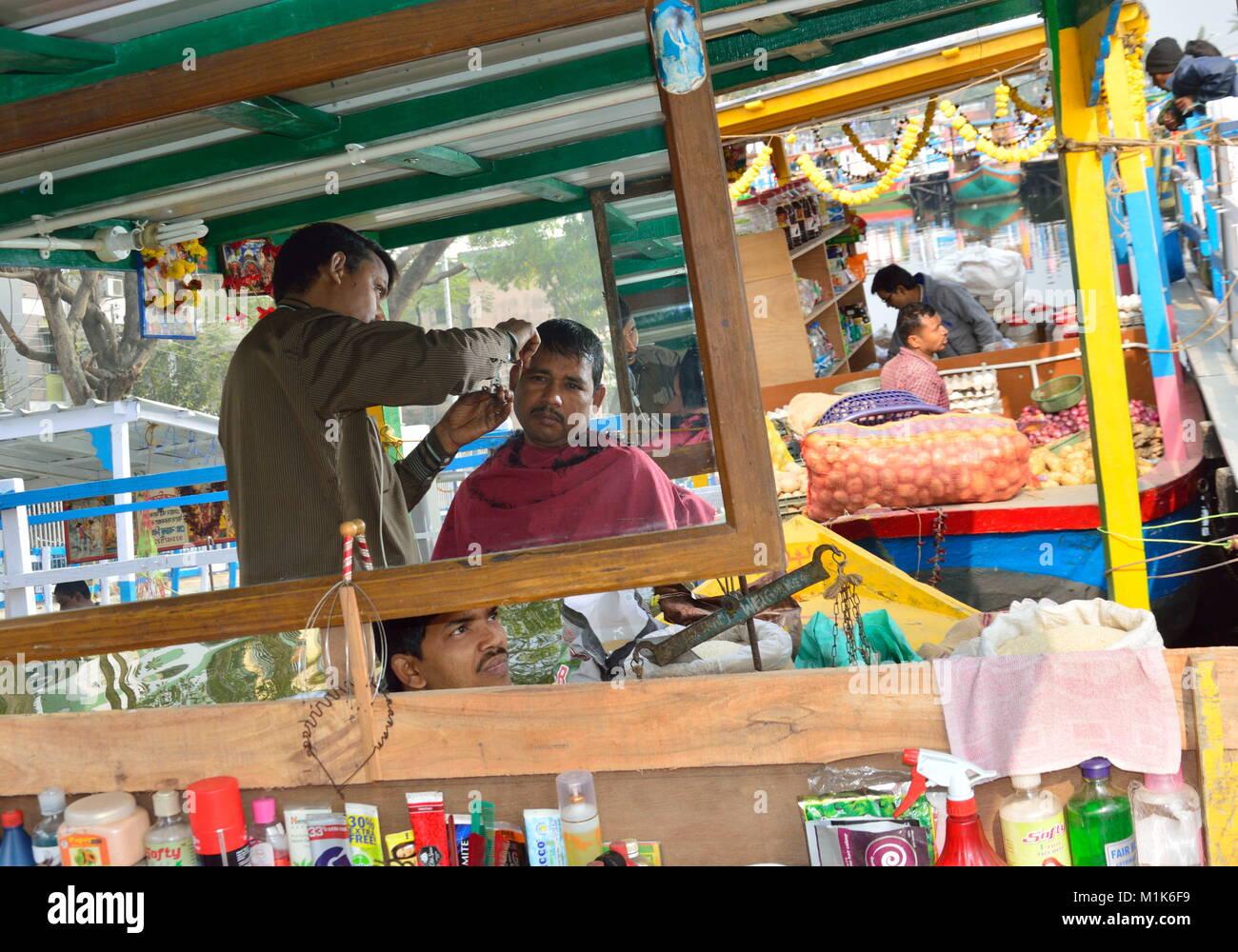 Mercado Flotante en Kolkata. Foto de stock