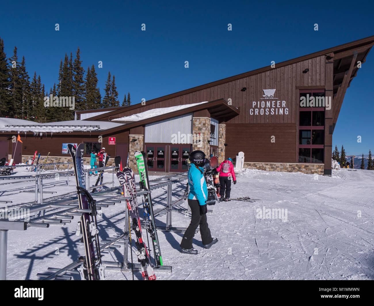 Pioneer Crossing día lodge y restaurante en la cima de pico 7, Breckenridge Ski Resort, Breckenridge, Colorado. Imagen De Stock