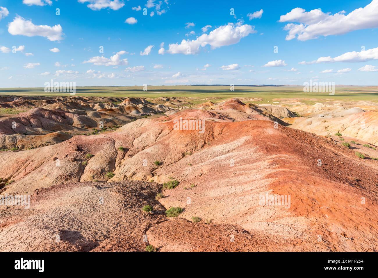 Estupa blanca, formaciones de roca sedimentaria, Oriente Ulziit provincia de Gobi, Mongolia, Asia Central, África Imagen De Stock