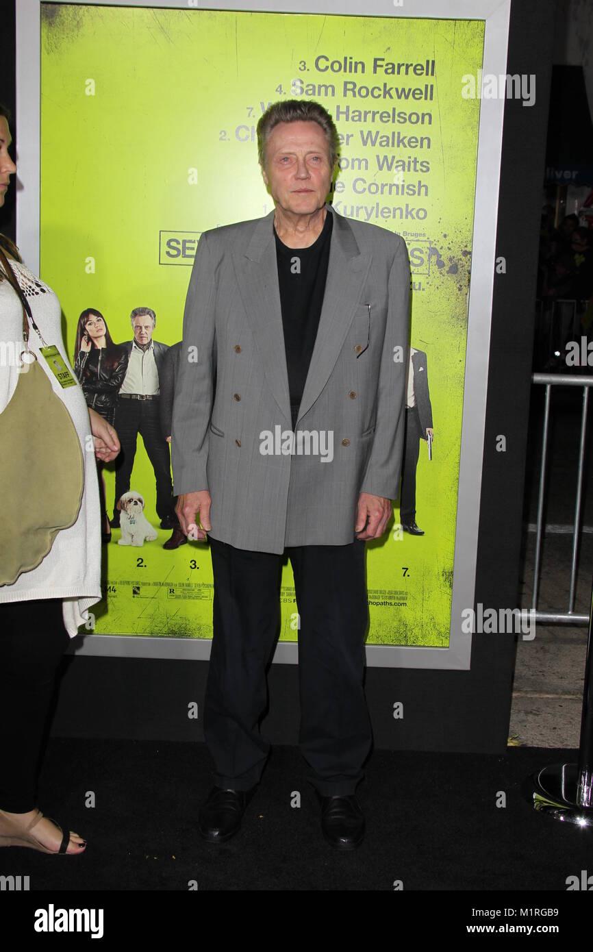 WESTWOOD, CA - 01 de octubre: Christopher Walken llega a Los Angeles estreno de 'Sincluso psicópatas' en Mann Bruin Foto de stock
