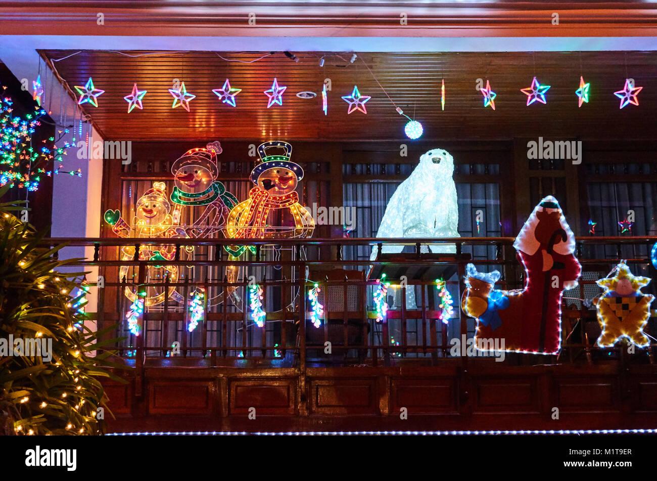 Villavicencio Colombia 1 De Enero De 2015 Una Residencia Fuertemente Decoradas Para Navidad En Villavicencio Fotografia De Stock Alamy