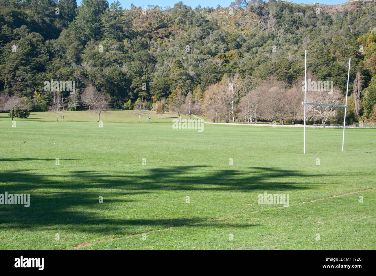 Puestos de Rugby en el campo de deportes Imagen De Stock