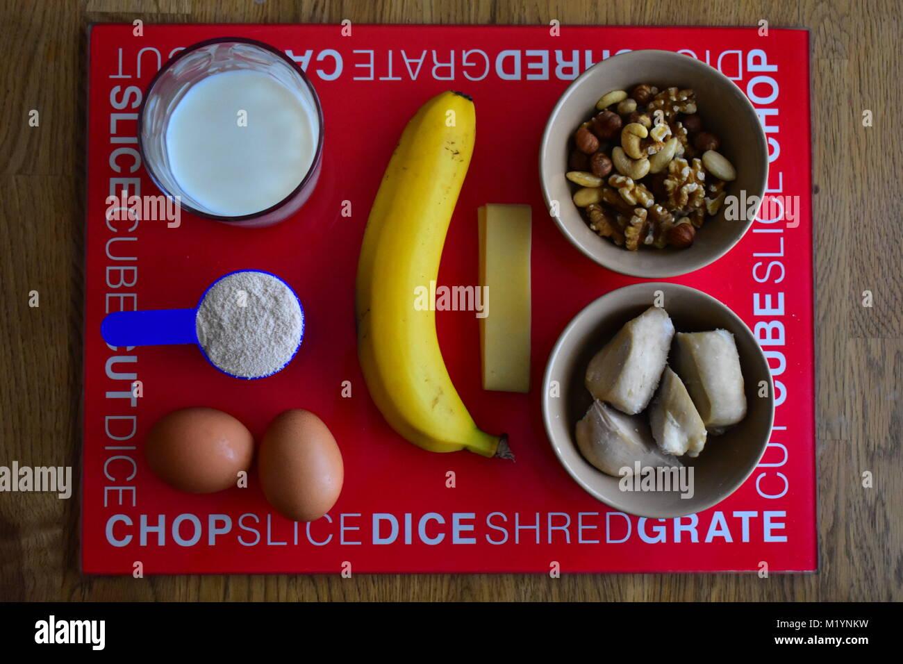 Plato de alimentos proteicos para el edificio del cuerpo Imagen De Stock