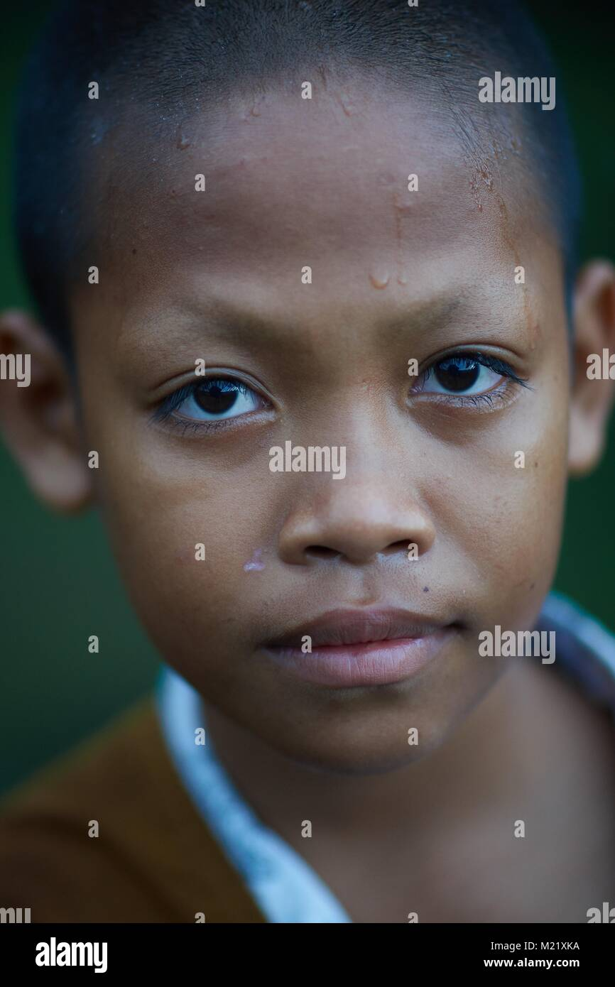 Joven monje assistant, Angkor, Camboya Imagen De Stock