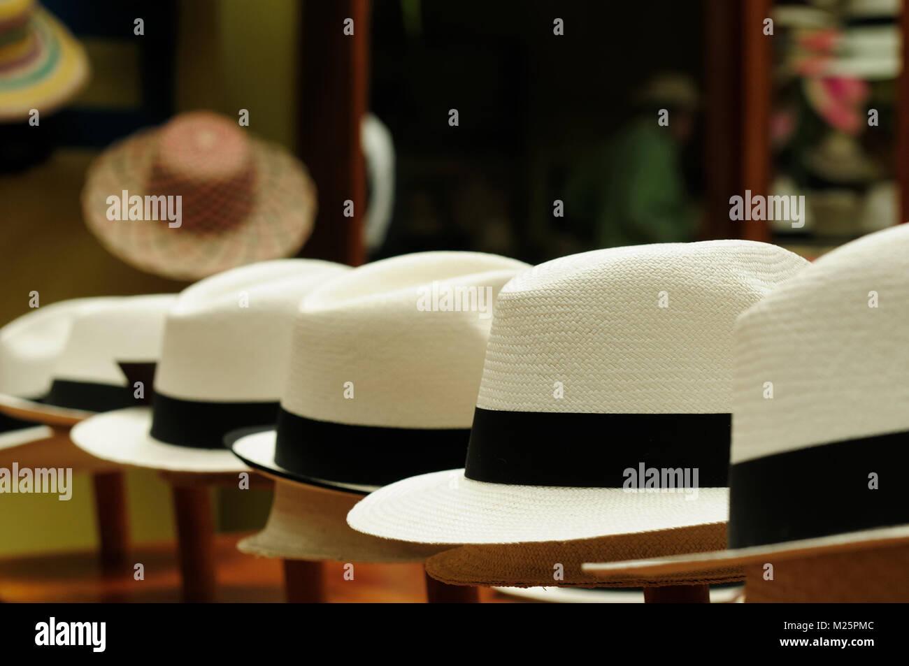 Panama Hat Ecuador Imágenes De Stock   Panama Hat Ecuador Fotos De ... 24b8ff44bdc