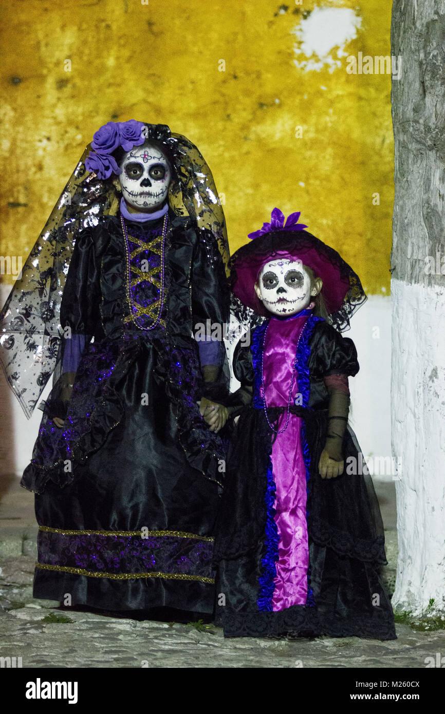 Cadereyta México El 27 De Octubre Dos Niños Mexicanos
