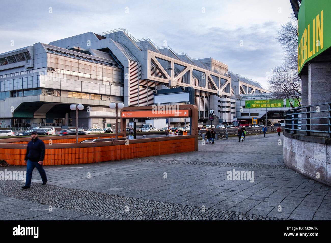 Berlin-Westend.Internationales Congress Centrum ICC.Moderno edificio contemporáneo de alta tecnología.Gran Imagen De Stock