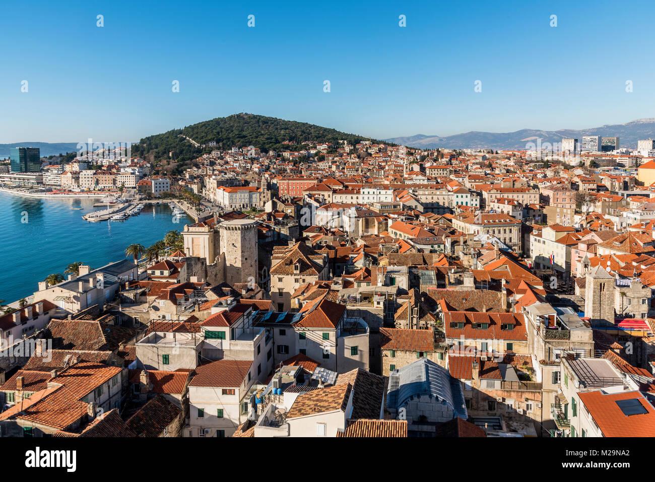 Casco antiguo horizonte dividido, Dalmacia, Croacia Foto de stock