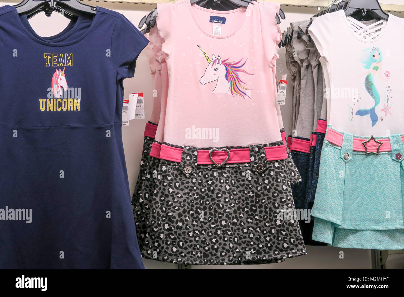 New Clothes Dresses Imágenes De Stock & New Clothes Dresses Fotos De ...