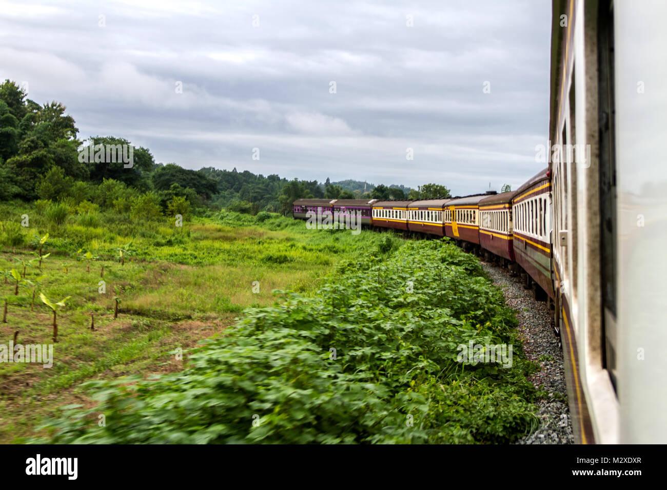 Mochila Viajar En Tren El Estilo De Vida En El Norte Tailandia
