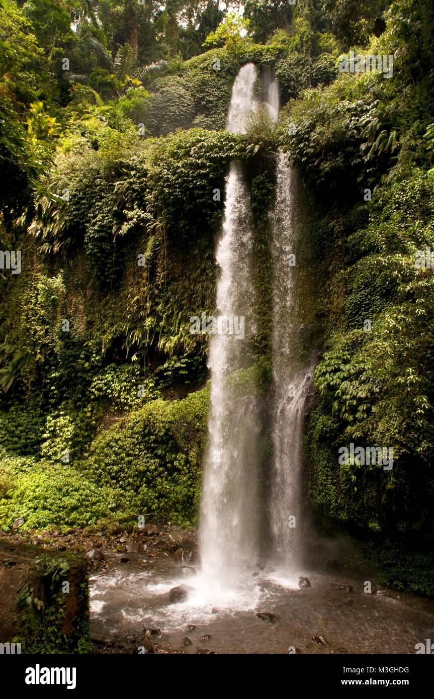 84 Gambar Air Terjun Benang Kelambu