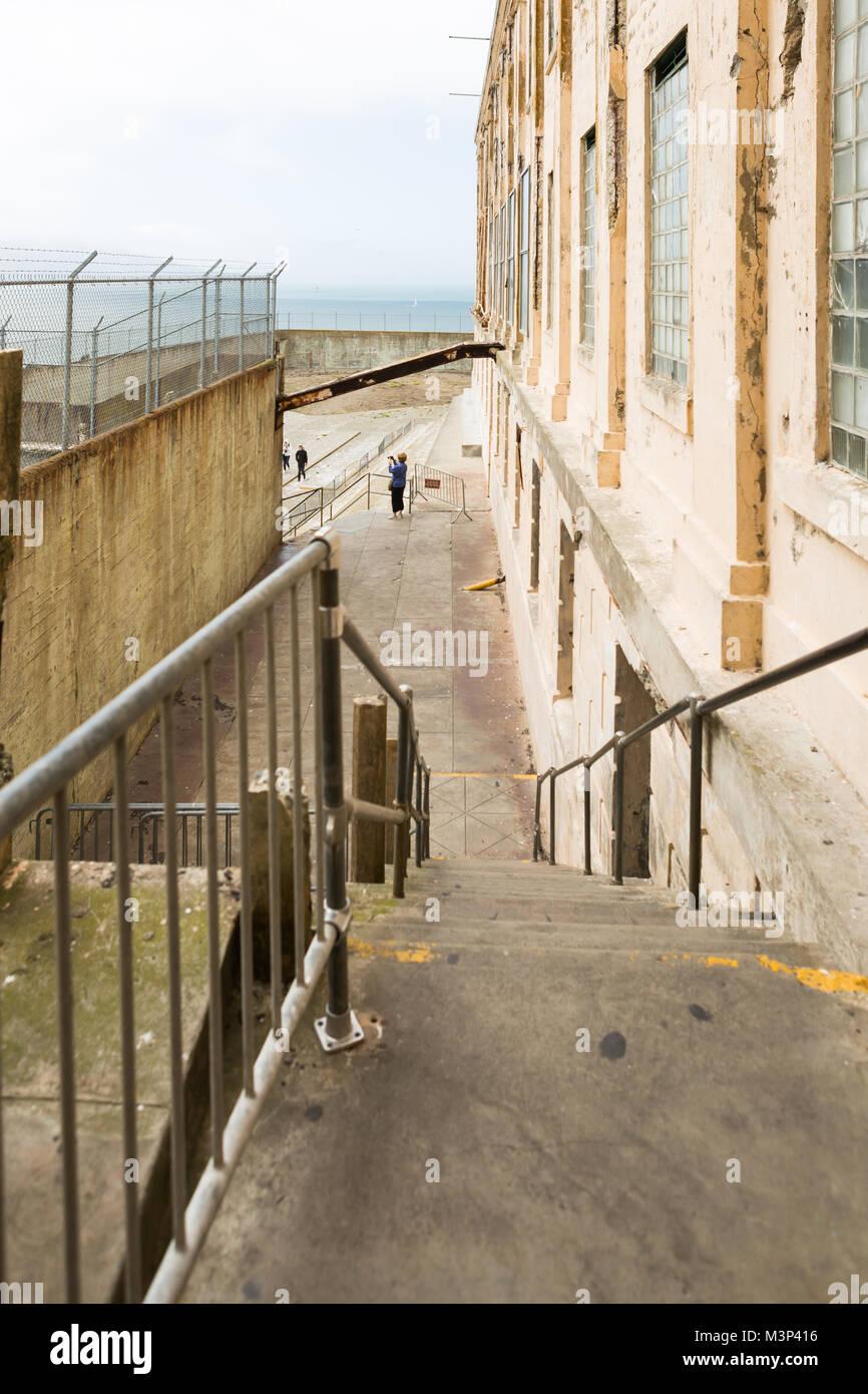 SAN FRANCISCO, CALIFORNIA - 16 DE JUNIO: vistas al interior de la Isla de Alcatraz en San Francisco el 16 de junio Imagen De Stock