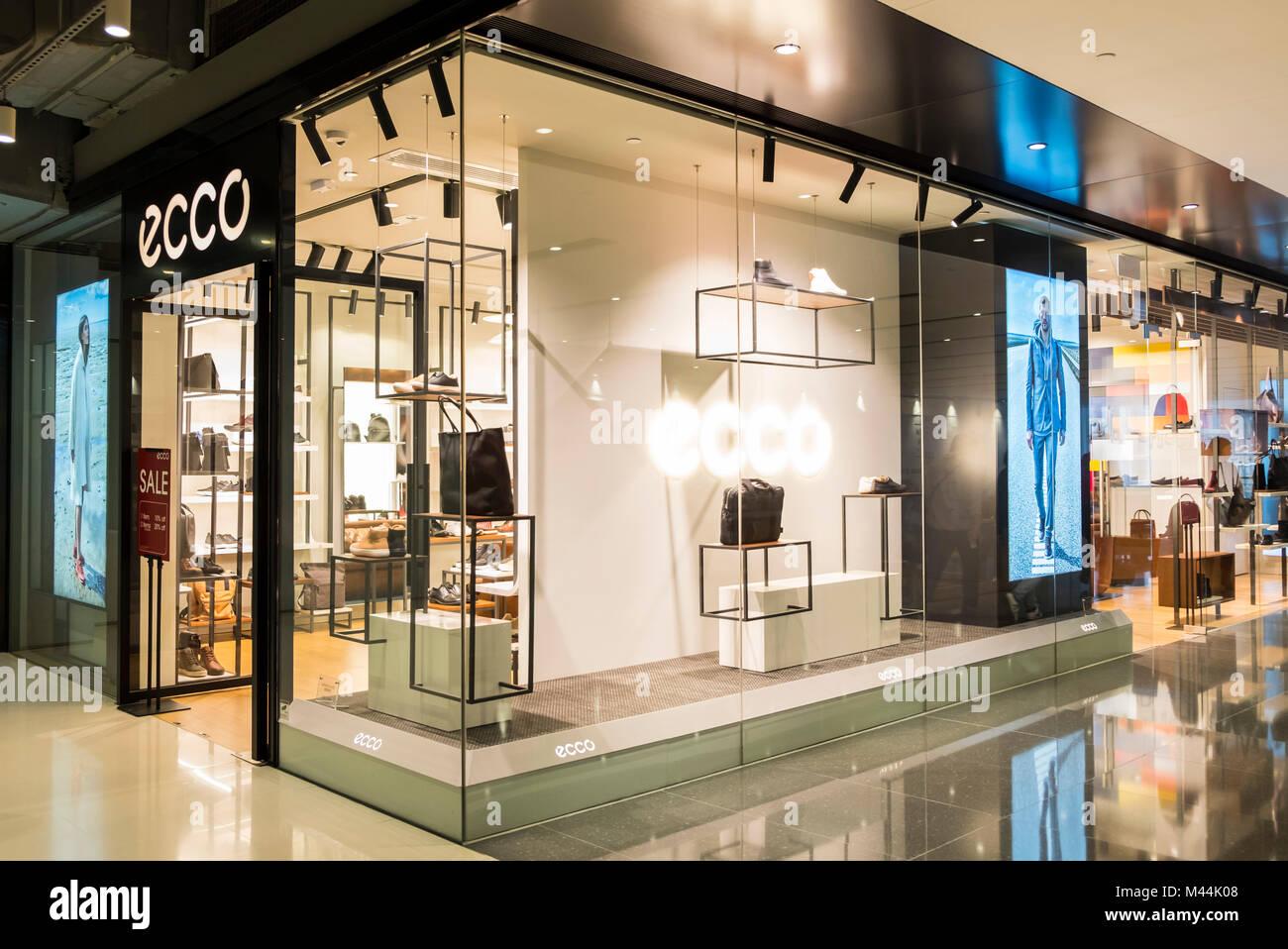 sale retailer 8c3fe a95f0 Ecco Store Imágenes De Stock & Ecco Store Fotos De Stock - Alamy