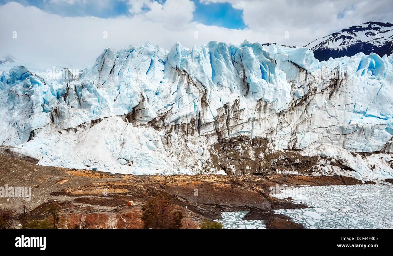 Glaciar Perito Moreno, uno de los principales destinos de viajes de Argentina. Imagen De Stock
