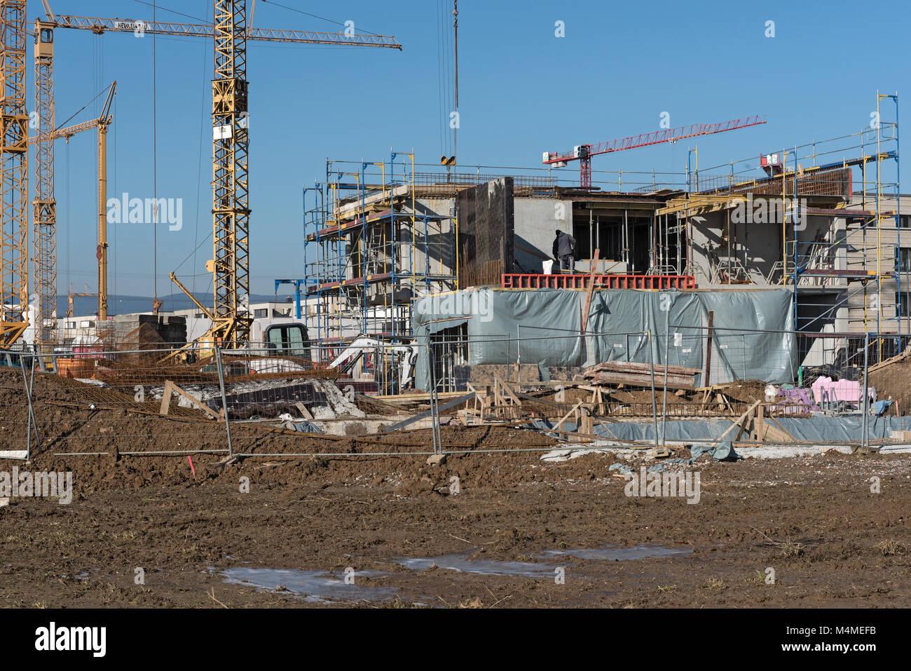 Sitio de construcción de varios edificios residenciales en el nuevo distrito de Riedberg Imagen De Stock