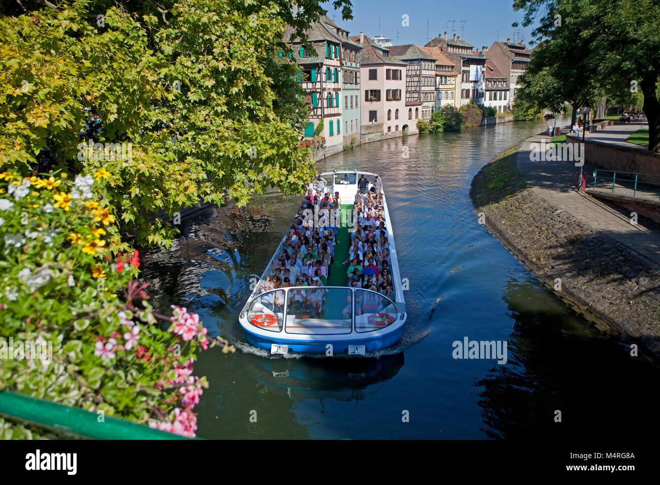Viaje en barco en el río III, La Petite France (Francia), poco de Estrasburgo, Alsacia, Bas-Rhin, Francia, Imagen De Stock