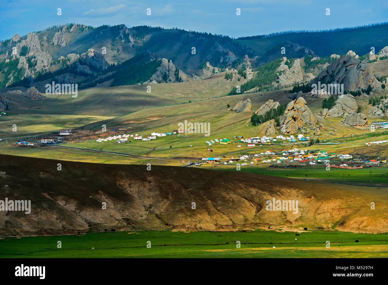 BeniBana Complejo Turístico y de Campamento de bolor Resort en Terelj-Valley,Gorkhi-Terelj Parque Nacional,Mongolia Imagen De Stock