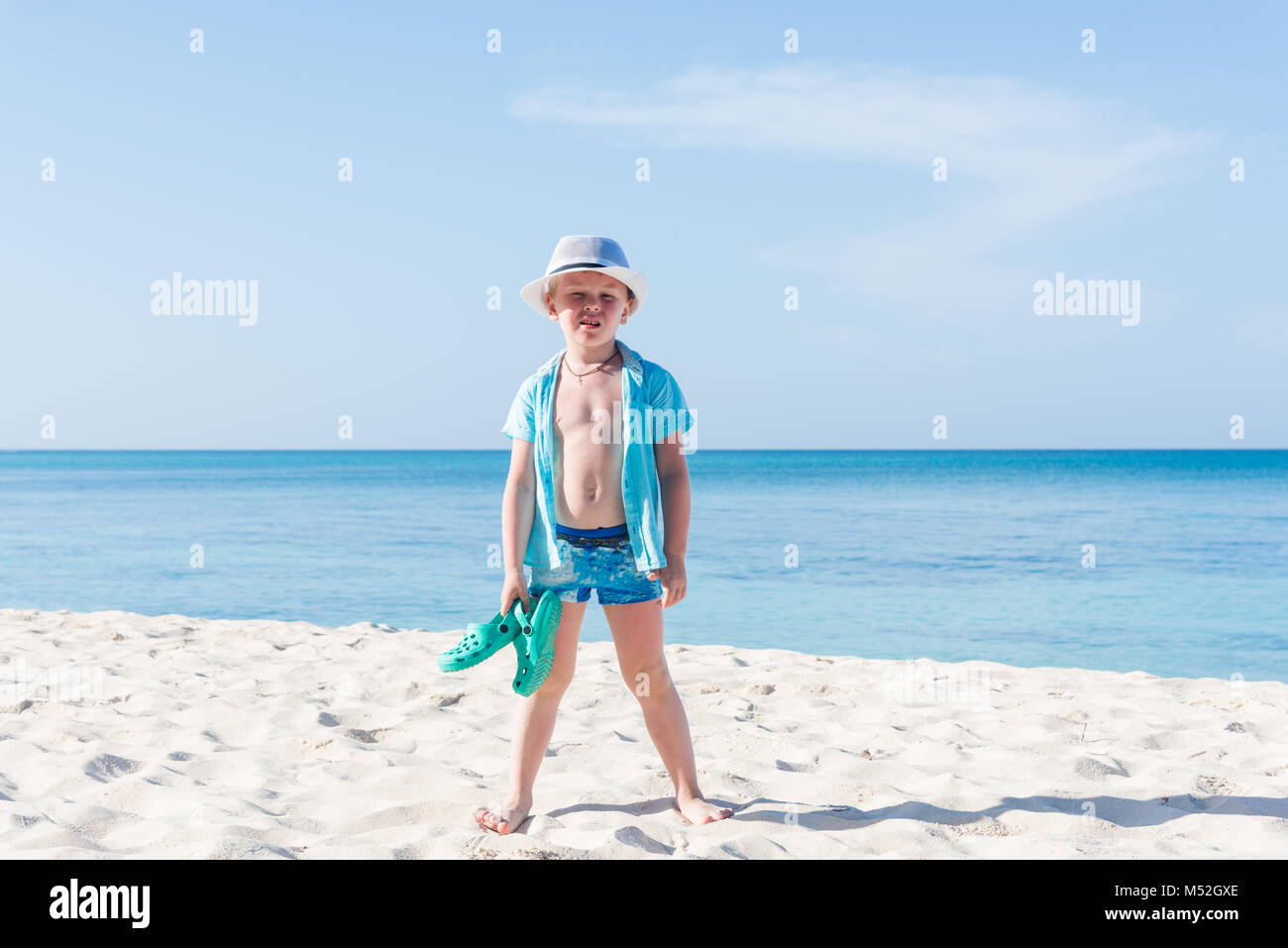 El muchacho en el Panamá en el mar Caribe, República Dominicana Foto de stock