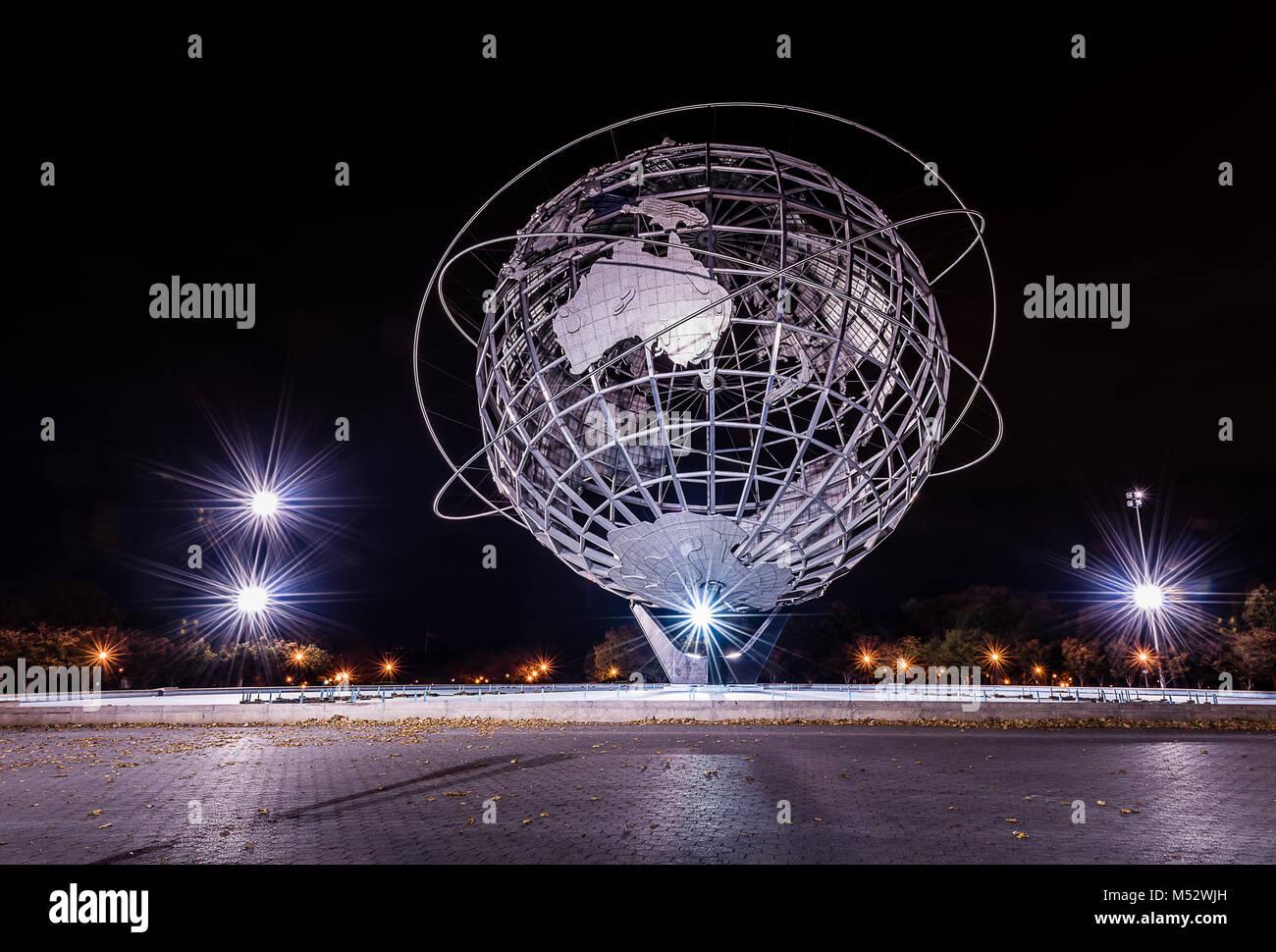 La Iluminación Nocturna De Larga Exposición De Worlds Fair Unisphere