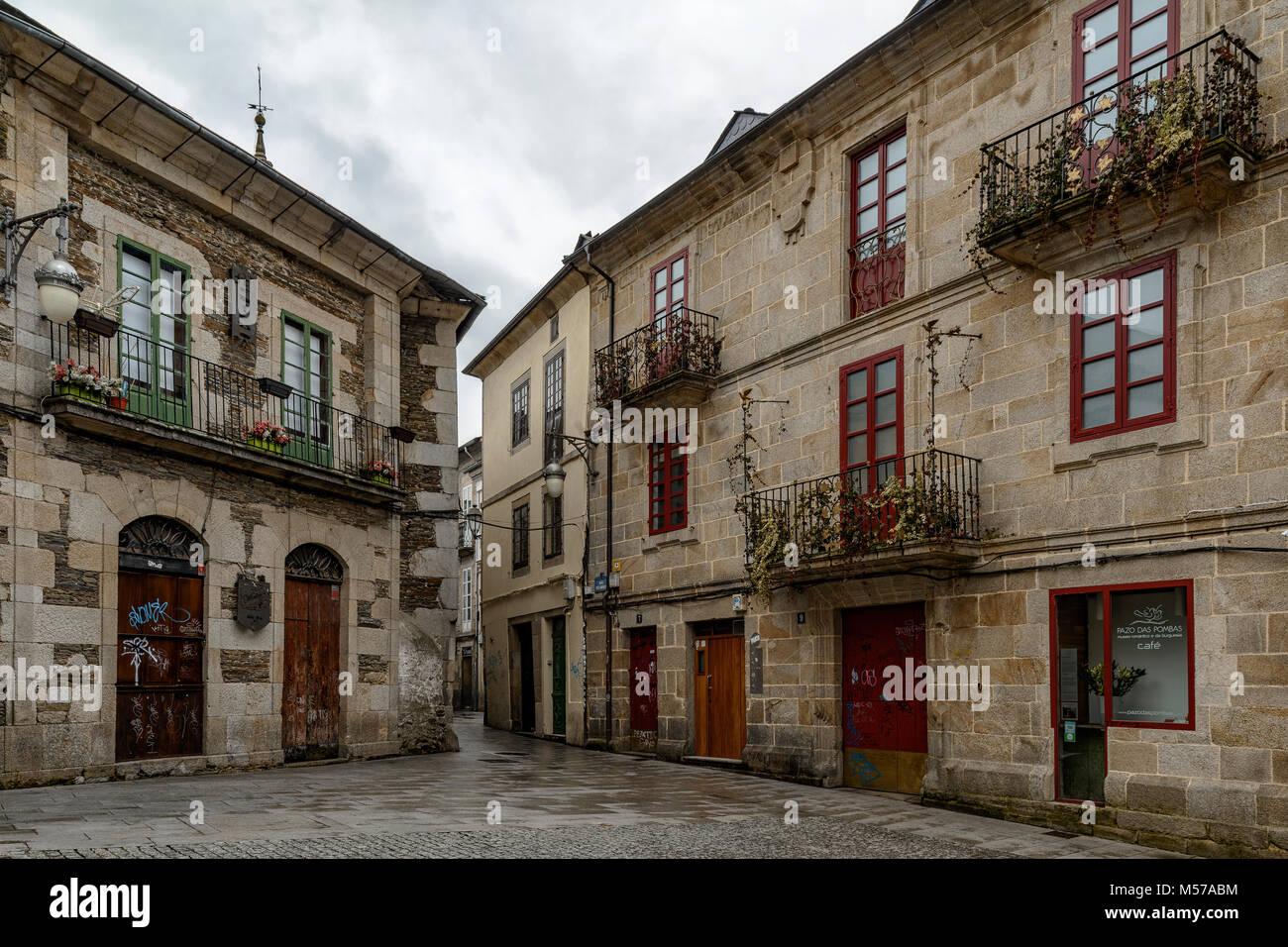 Tipica Gallega Antiguas Casas Del Casco Antiguo De La Ciudad De Lugo - Fachadas-antiguas-de-casas