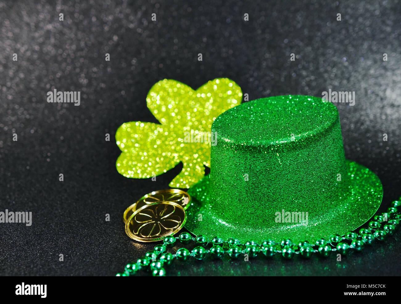 d84590336c83 Día de San Patricio brillante verde irlandés Top Hat con trébol de oro