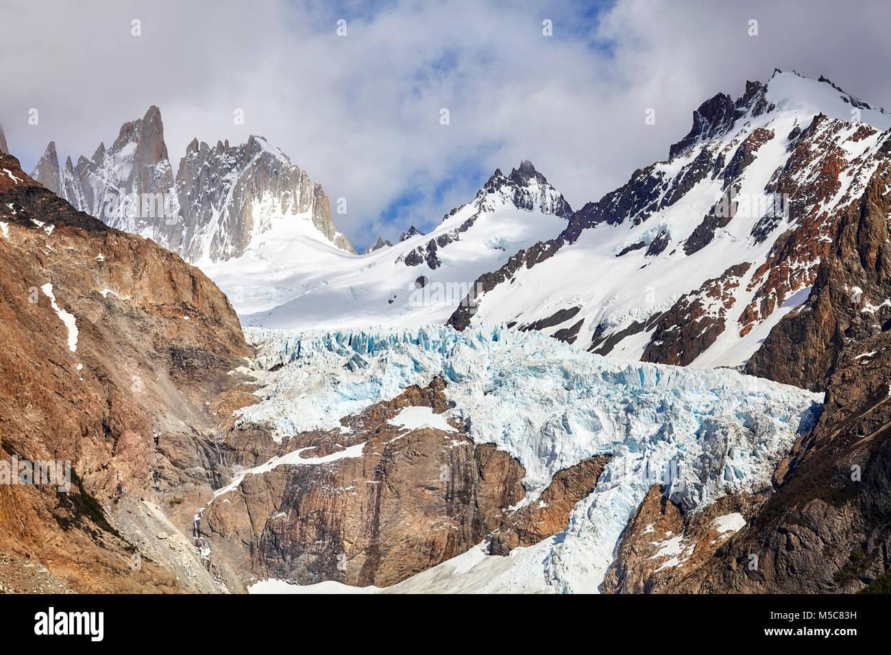 Glaciar en la Cordillera de Fitz Roy, el Parque Nacional Los Glaciares, Argentina. Imagen De Stock