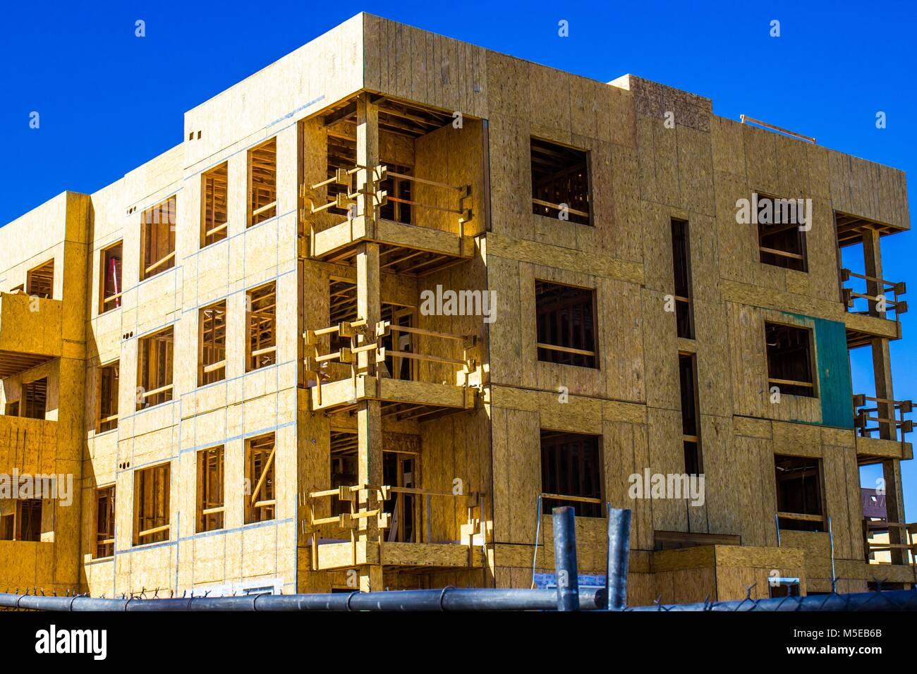 Asombroso Edificio De Apartamentos Para Colorear Elaboración - Ideas ...