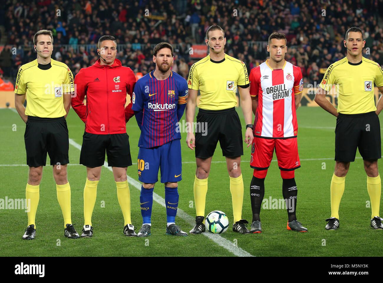 ¿Cuánto mide Àlex Granell? Barcelona-espana-25-feb-2018-leo-messi-granell-y-los-arbitros-durante-el-partido-entre-el-fc-barcelona-y-girona-fc-el-25-de-febrero-de-2018-en-barcelona-espana-credito-gtres-informacion-mas-comuniacion-on-line-slalamy-live-news-m5ny3k