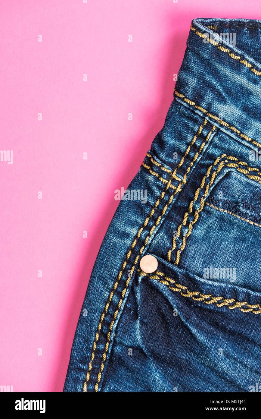 cd092bb2f5 Blue Border Pastel Pink Imágenes De Stock   Blue Border Pastel Pink ...
