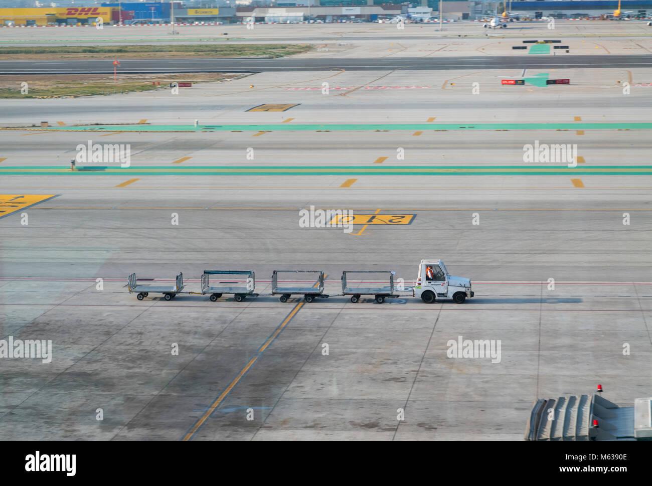 Resumen de un puente al aeropuerto de Barcelona Foto de stock