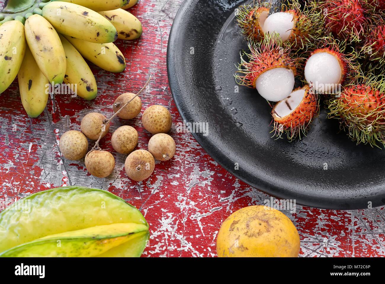 Sabrosas frutas exóticas Foto de stock