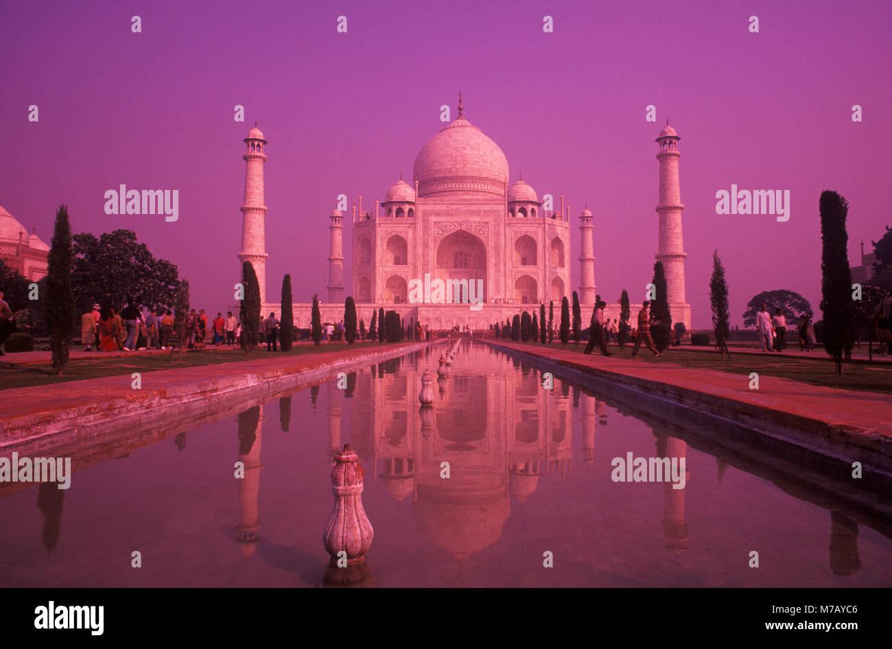 Fachada de un monumento, Taj Mahal, Agra, Uttar Pradesh, India Imagen De Stock