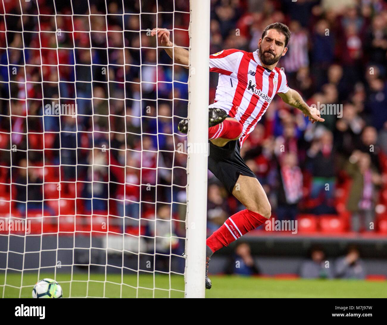 El Athletic Club del centrocampista Raúl García celebra tras anotar contra  CD Leganés durante la Imagen 3558dab138a24