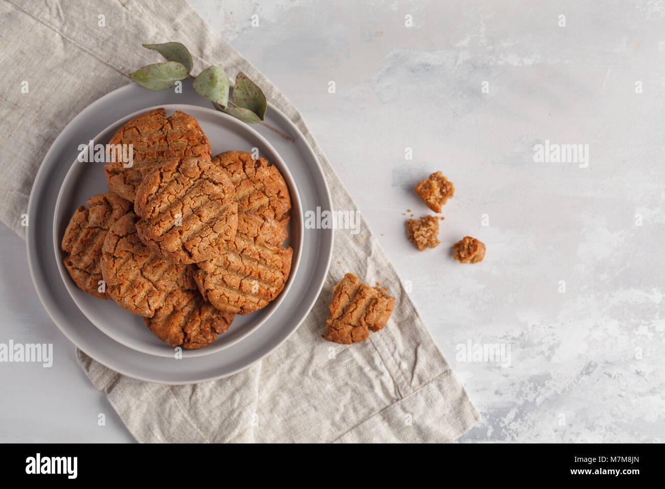 Healthy vegan cookies caseras. Concepto de comida vegetariana. Imagen De Stock