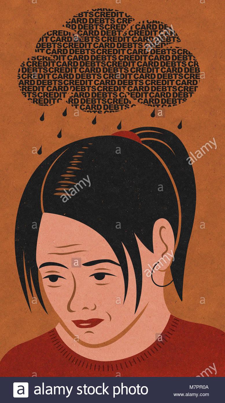 Nube de deuda de tarjetas de crédito lloviendo sobre pisado mujer Foto de stock